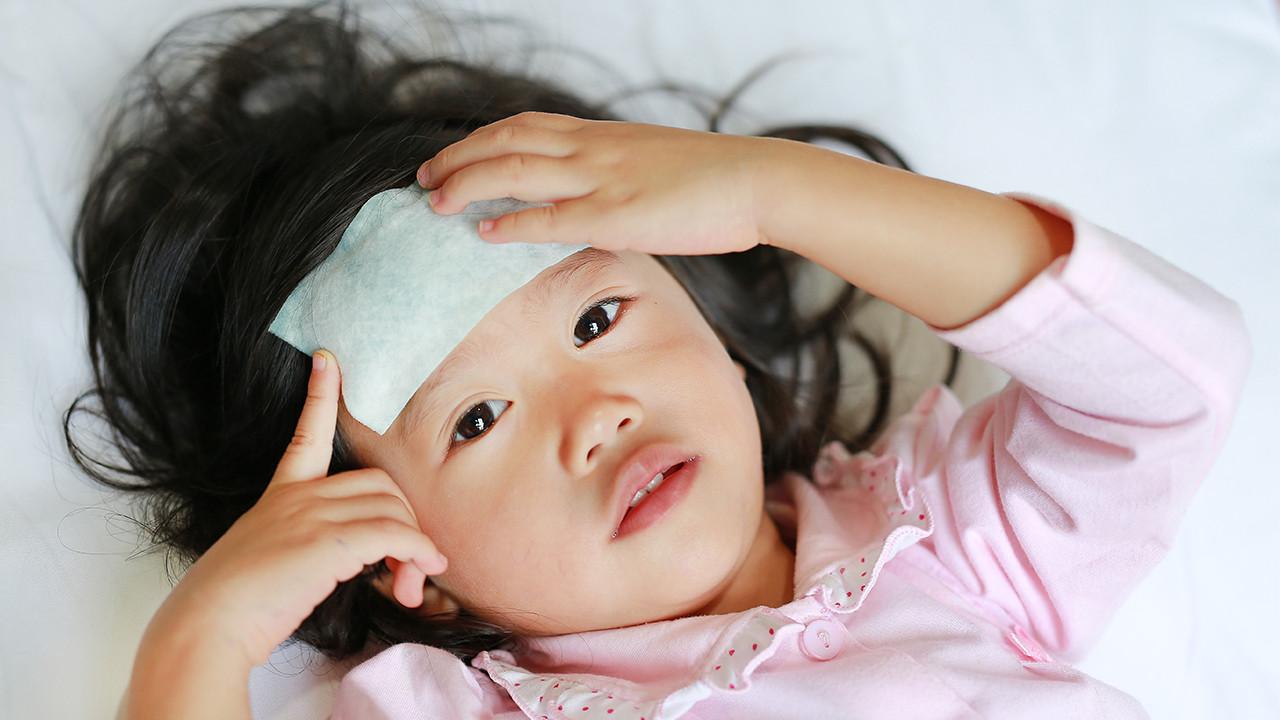小孩半夜发烧怎么办