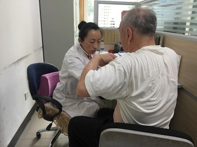 落实医改政策 慢阻肺患者享长处方服务2.JPG