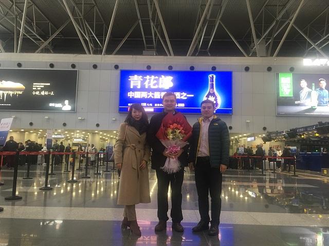 我院博士服务团成员周预医师启程奔赴甘肃1.jpg
