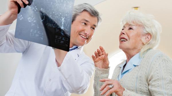 医保局印发重要通知 五大门诊慢特病治疗费将施行跨省结算