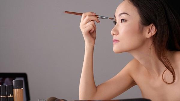 某促睫毛生长药物未获国家药监局批准 马前列素被禁止作为化妆品原料