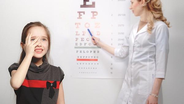 近视眼手术会有后遗症吗图片